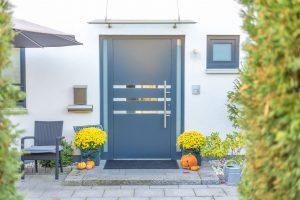 Quels sont les avantages de  la porte d'entrée en aluminium ?